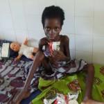 Je suis contente, je viens d'avoir mon PLUMPY NUT - Centre de Davougon - Octobre 2010