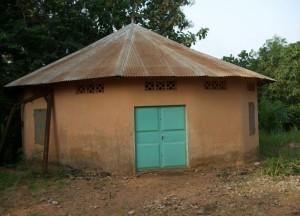 Case ronde au centre de Davougon au BENIN - Mars 2010
