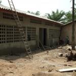 Batiment de pédiatrie en retauration - Centre de Davougon au BENIN - Avril 2012