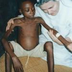 Francois 9 ans a profité du lait de S.O.S. BOîTES DE LAIT - Centre de Ndelele au CAMEROUN