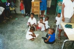 Les tout petits de la malnutrition - Les Gonaives Haiti Juin 2001