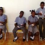 Precieusement chacun garde son petit sachet...Merci SOS pour votre support aux Enfants Haitiens Horizon de l'Espoir Haiti Décembre 2013