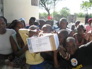 Vos colis par ASF viennent d'arrivés pour le plus grand plaisir de nos pensionaires -Horizon de l'Espoir Haiti Aout 2011