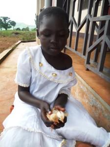 Marie, orpheline a été détectée séropositive à sa naissance.